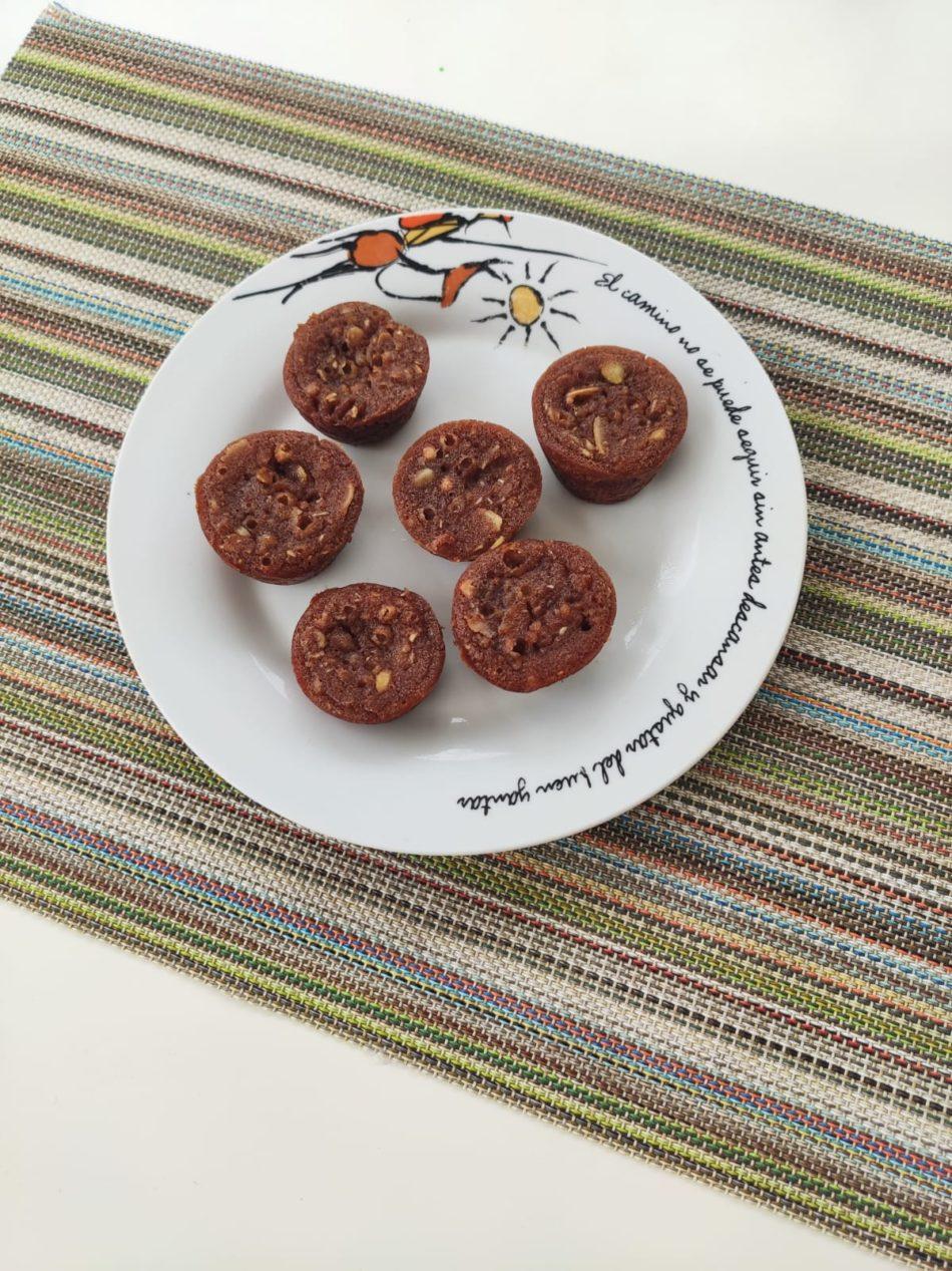 Magdalenas de avena, cacao y nueces